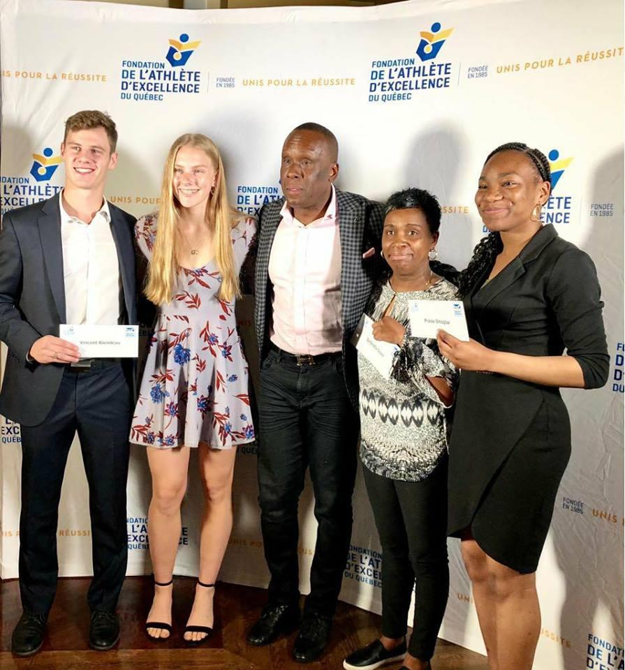 Bruny remet les bourses de la fondation Bruny Surin