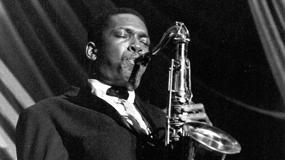 John Coltrane joue de la musique